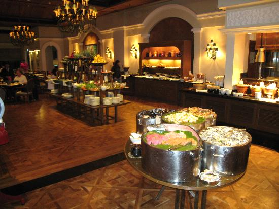 The buffet picture of the dining room at grand hyatt erawan the dining room at grand hyatt erawan bangkok the buffet sxxofo