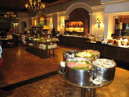 The Dining Room At Grand Hyatt Erawan Bangkok Buffet