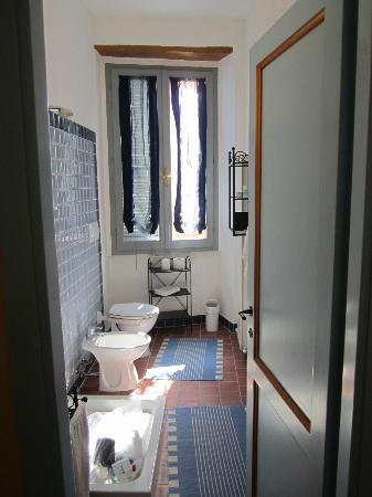 Palazzo delle Signorine: Bathroom