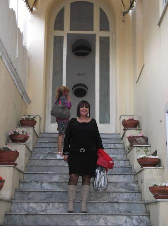 Albergo Esperia: scale dell' ingresso