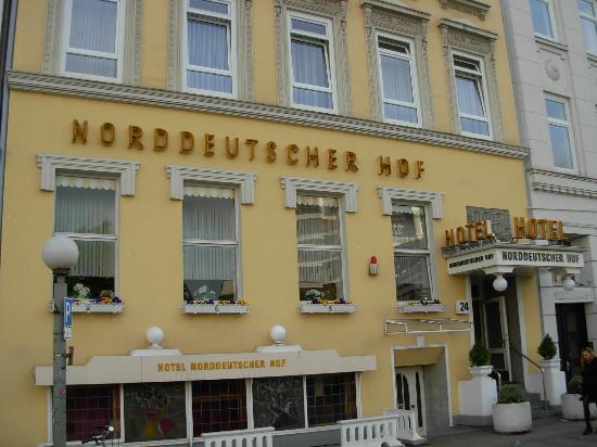 Novum Hotel Norddeutscher Hof Hamburg: Facciata Hotel