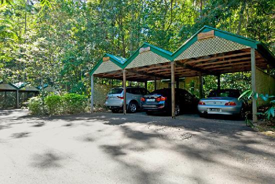 Narrows Escape Rainforest Retreat : Individual undercover parking