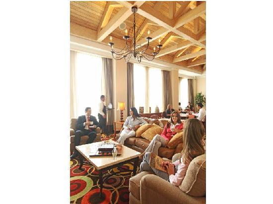 Real InterContinental Tegucigalpa at Multiplaza Mall: Club InterContinental Lounge