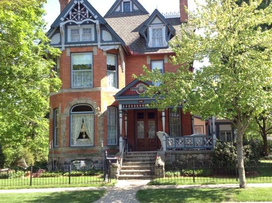 Chelsea House Victorian Inn: Awsome B&B