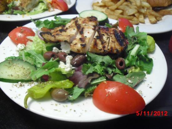 Elite Circle Grille: Another salad