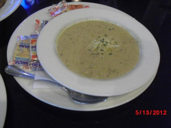 Elite Circle Grille: Cauliflower soup