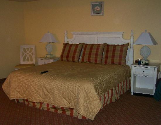 Quality Inn and Suites Capitola By the Sea: Bedroom
