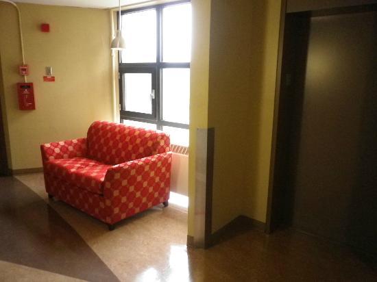 Les Studios Hotel : Corridor