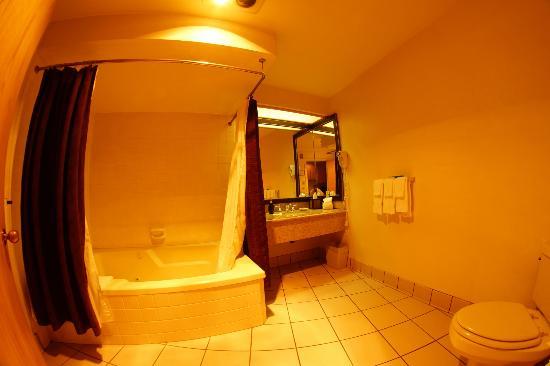 Riverhouse on the Deschutes: Bathroom - Exec Room