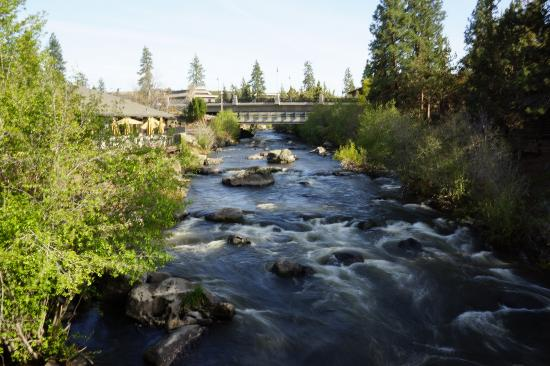 The Riverhouse Hotel and Convention Center: River by the hotel Deschutes