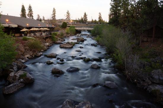 Riverhouse on the Deschutes: River shot