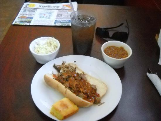 Big Mama's: my  pulled pork meal