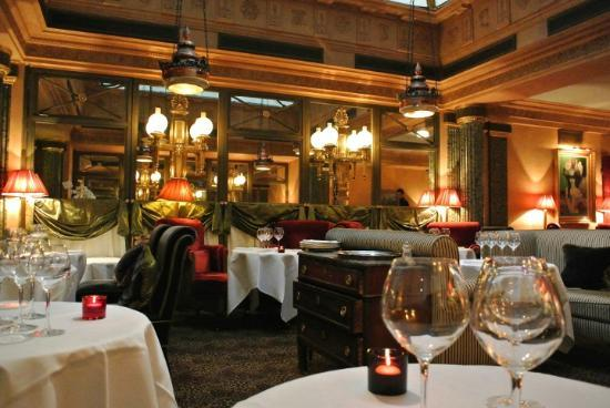 Le restaurant interior picture of le restaurant paris for Restaurant cuisine francaise paris