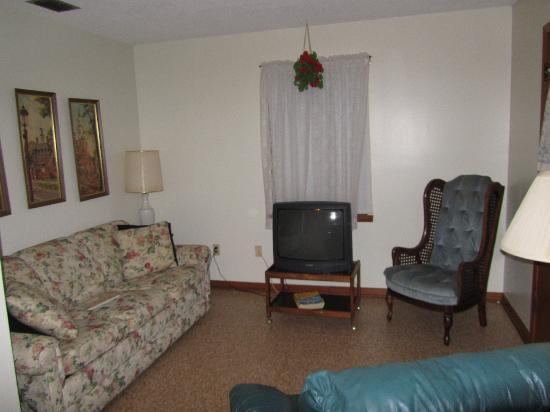 Oak Haven Cottages: Living Room