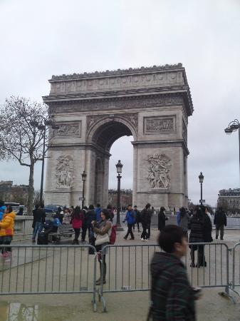 charles de gaulle etoile picture of arc de triomphe paris tripadvisor. Black Bedroom Furniture Sets. Home Design Ideas