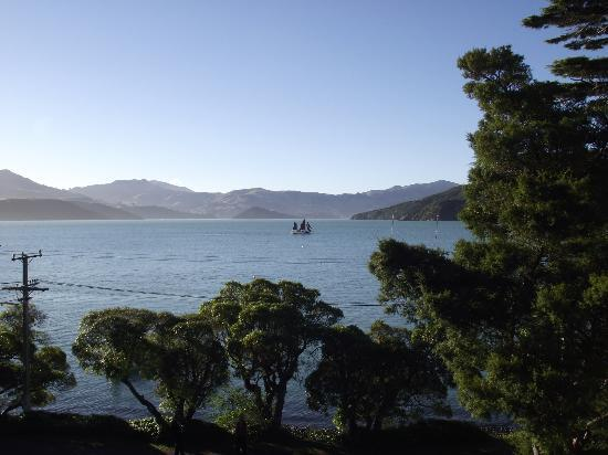 Akaroa on the Beach: The view from the Penthouse Studio - beautiful !