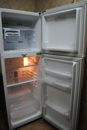 Baity Hotel Apartments: Clean fridge - new