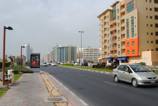 Baity Hotel Apartments: Al Mankhool road/Kuwait Street? Bus stop right outside hotel