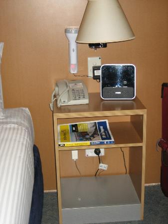 Desert Cave Hotel: Room