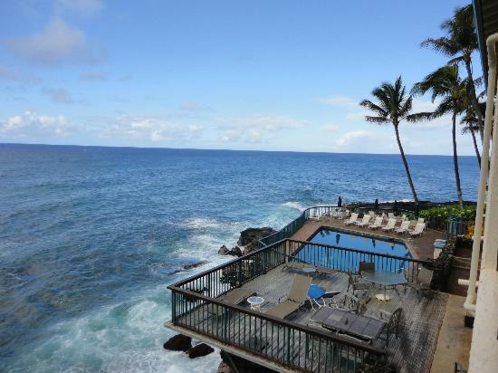 Poipu Shores Resort: View from my lanai #1