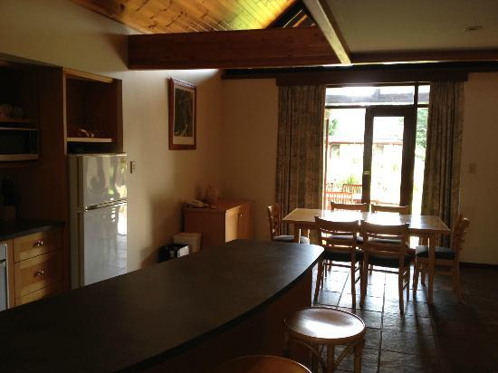 Margaret River Resort: well equiped and social kitchen