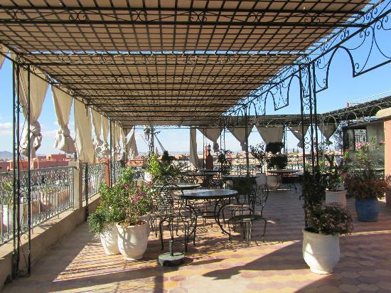 Hotel Ali: Terrasse