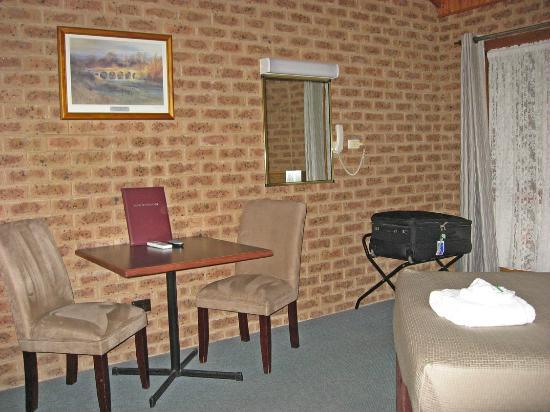 Beechworth Carriage Motor Inn: The breakfast table