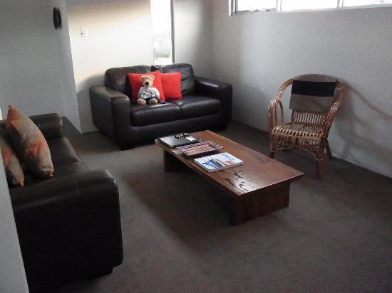Hanover Bay Apartments : Loungeroom