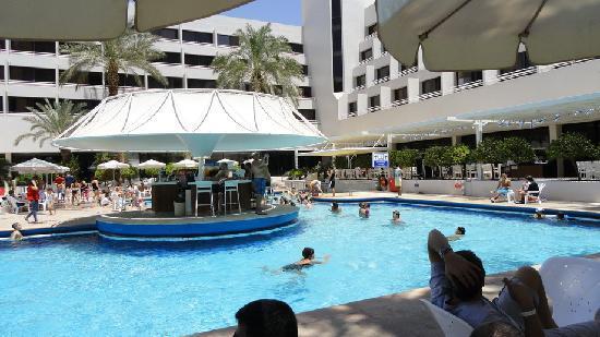 Isrotel Lagoona: Отель Лагуна. Басейн и бар
