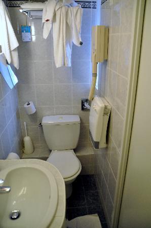 Ibis Styles Bourg en Bresse : unser Badezimmer
