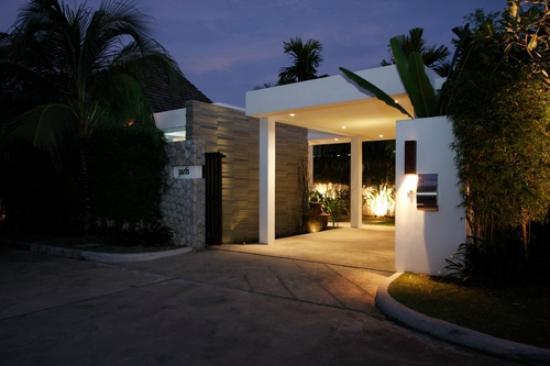 Anchan Villas: Main Gate of the Villa