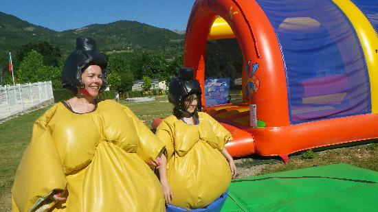 Ciela Village Camping International : sumo+chateau-bouncy castle