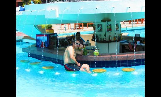 Asia Pattaya Hotel: pool's Bar