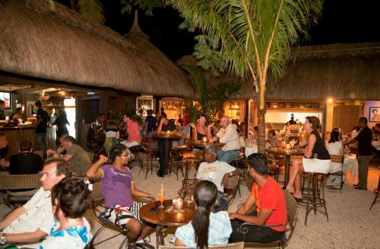 Gourmet Grill Mauritius : A saturday evening at The Grill Banana Beach Club