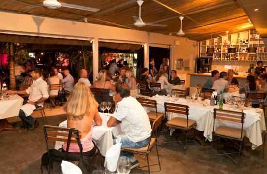 Gourmet Grill Mauritius : The indoor dinnig room