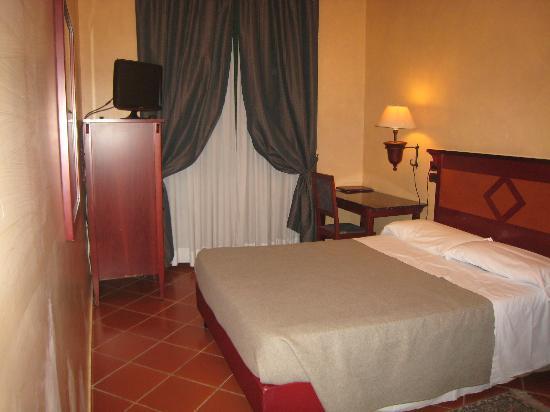 Hotel Corona D'Italia: room1