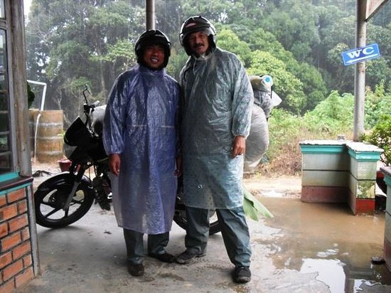 Dalat Easy Rider Club : It rains? no problem...