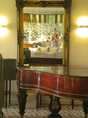 lti Louis Grand Hotel: Communal area