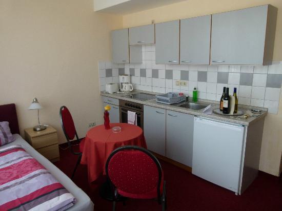 Appartementhotel Hamburg: Küchenzeile