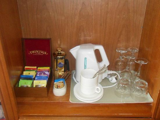 Rendezvous Hotel Perth Scarborough: Tea and coffee