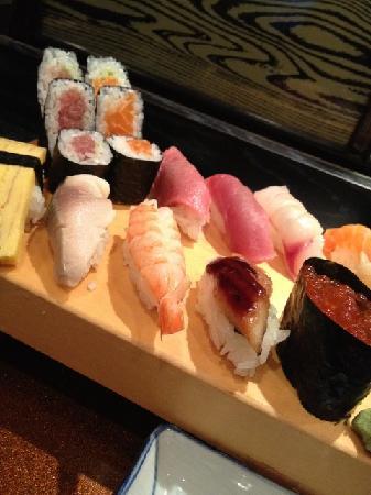 Sansui: Matsu Sushi set