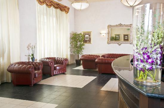 Hotel Caesar Prague: Hotel Caesar Prague Reception