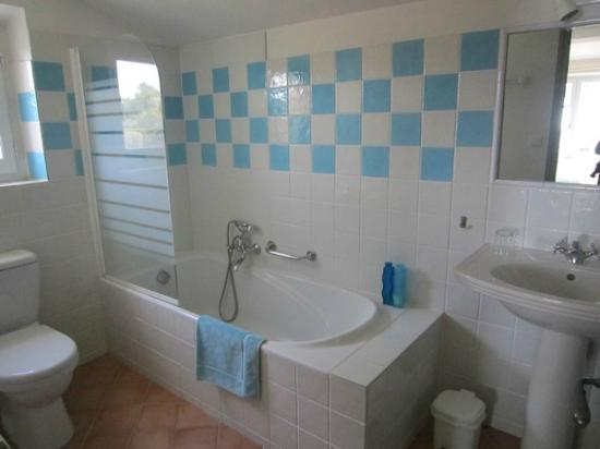 Le Cigalon : La salle de bain