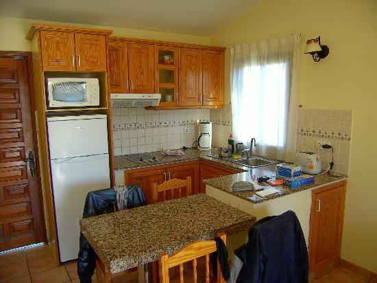 Santa Barbara Apartments: Cucina