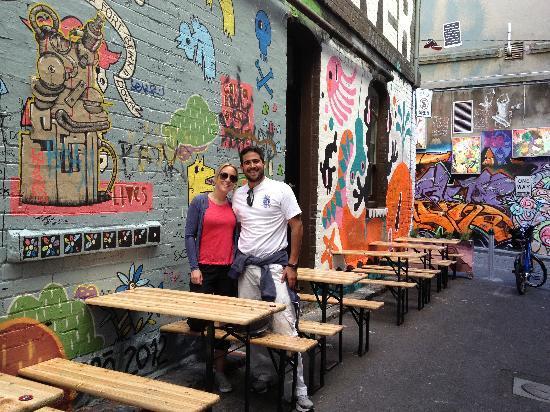 Melbourne By Bike: Jaime & Julia from Mexico, visiting Hosier Lane