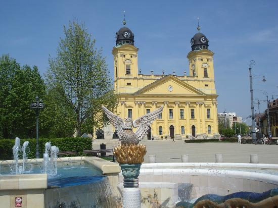 Hunguest Hotel Nagyerdo: The largest reformed church building in Europe