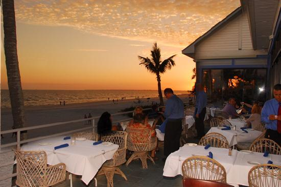 Fresh Catch Bistro: Sunset on the Deck