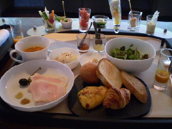 Arcana Izu: 朝食♪