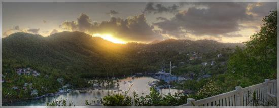 Marigot Bay, St. Lucia: Sunrise from room 5