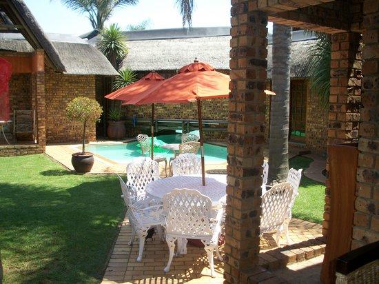Ikwekwezi Boutique Estate : Pool Area